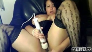 Hottie Thick Whore Uses Hitachi on Her Cunt