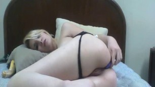Teen loves her small vibrator in the ass