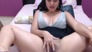 Delicious Colombian GF Shows Her Cunt on Web Cam
